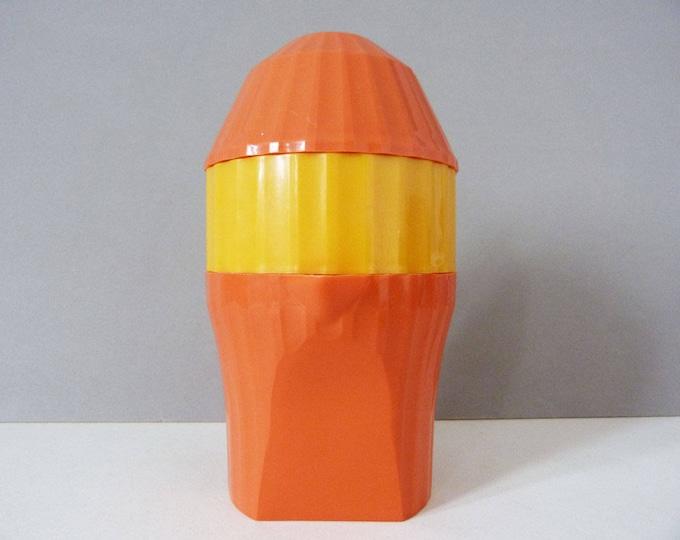 Juicer Citrus Press vintage plastic