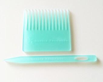 Aqua Weaving Needle and Comb