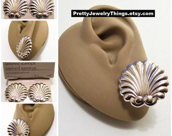 Avon Sea Shell Discs Pierced Stud Earrings Silver Vintage 1991 Tailored Scallops Graduated Swirl Rib Lined Nail Heads Surgical Steel Posts