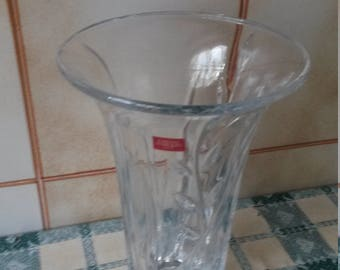 Glass vase in French leaded 24% PbO. Cristal of Arques Paris. Made in France. Retro Vintage transparent flower vase. Mom
