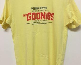 Vintage 80s The Goonies Steven Spielberg / Adventure / Comedy T-Shirt