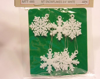 6 mini  snowflakes, 3/4 inch (A15)