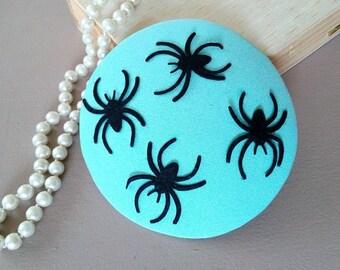 fascinator mint & spiders