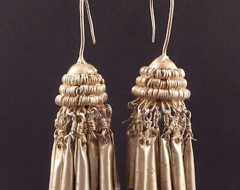 Big Hill tribe old silver earrings from the Golden Triangle in Asia, Asian ethnic earrings,Lahu, Lisu. Akha tribes
