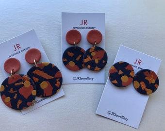 Clay earrings - navy & mustard
