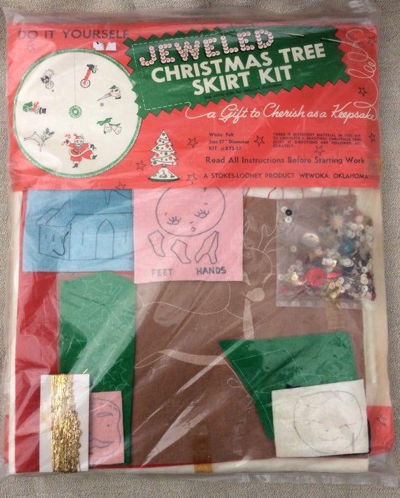 Christmas tree skirt kit do it yourself stokes looney embroidery christmas tree skirt kit do it yourself stokes looney embroidery kit from moprocketvintage on etsy studio solutioingenieria Choice Image