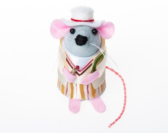 Peter Davison Doctor Who mouse ornament gift for husband wife boyfriend girlfriend brother sister men women dr who fan collector felt rat