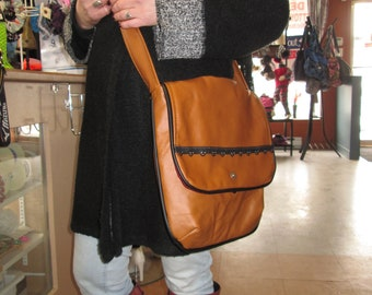 Hand/satchel/leather bag genuine shoulder /rabat, Tan Leather with black/gift bag or for yourself
