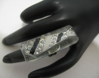 Ring inspired by the trilogy 50 Shades of Grey