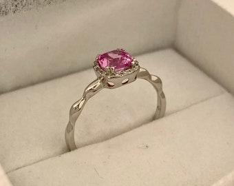 14K White Gold Pink Corundum and Diamond Ring Size 6 1/4 US