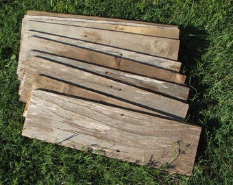"ON SALE! Reclaimed Old Fence Wood Boards - 5 Fence Boards 20"" Weathered Barn Wood Planks - Good Condition - Great For Rustic Crafting!"