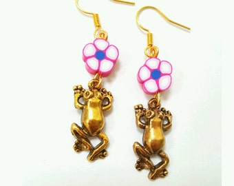 Frog earrings, gold frog earrings, frog and flower earrings, frog jewelry, animal jewelry, pond life jewelry