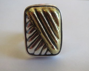Vintage Southwestern Large Sterling Silver and Gold Tone Ribbed Ring Size 7