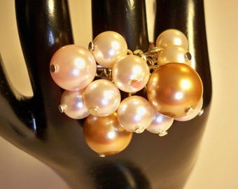 Ring cream pearl beads