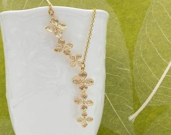 Clover Necklace, Four-Leaf Clover Lariat Necklace, Flower Pendant, Irish Shamrock, Green Wedding, Bridal Jewelry Bridesmaid Mom Gift