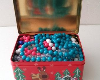 Beautiful Christmas Holiday Santa Jewelry Tin Gift Box Container