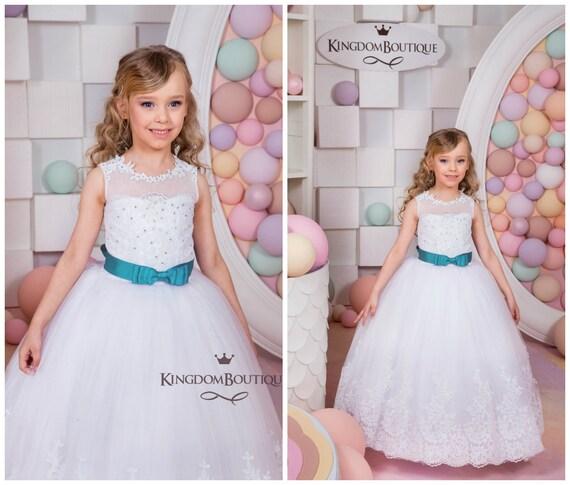 Spitze-weiße Blumen-Mädchen-Kleid Feiertag