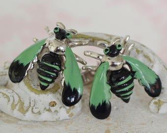 Boutons de manchette vintage des années 1950 des insectes en métal vert et noir et Silver-Tone par Swank
