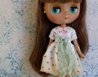 Middie Blythe dress, tea stained, with green bow