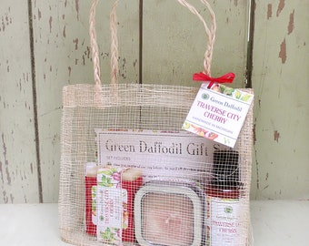 Traverse City Cherry Large Gift Set - Mesh Tote - Green Daffodil