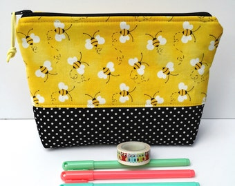 Makeup Bag Bumblebees/Cute Makeup Bag/Travel Bag/Zipper Pouch Bees/Cosmetic Bag/Christmas Gift for Her