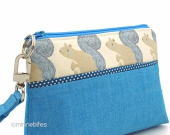 Bracelet porte monnaie - petit sac à main à la main - pochette bleue - voyage trousse à maquillage - Woodland cadeau de l'écureuil pour ADO - sac à main écureuil - prêt à l'expédition