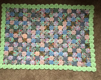 Spectacular Yo Yo Handmade Old Fashioned Coverlet Bedspread 66 x 92 Twin/Full Size with Matching Doiley/bedspreads/bedding