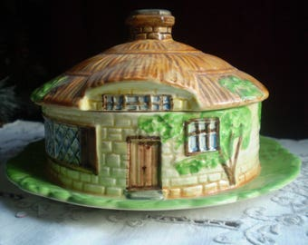 Pretty vintage Beswick Pottery Country Cottage butter/cheese dish