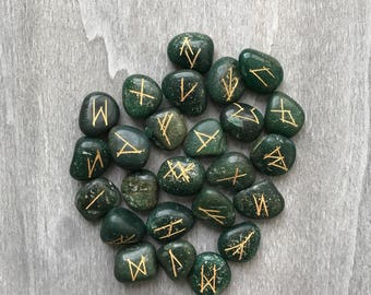 Aventurine Runes Set