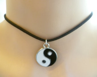 Yin yang choker,yin yang necklace,yin yang jewellery,yin and yang,black choker,handmade,gift,balance jewellery,black and white,suede choker