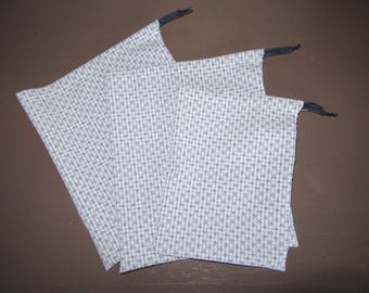 bag in bulk with drawstring, blue and white checked fabric