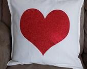 Heart throw pillow, Loveh...