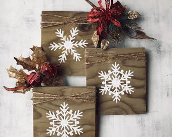 Snowflake Christmas Signs - Christmas Decor - Rustic Christmas Decor - Wooden Signs - Wood Christmas Decorations - Rustic Wood Signs - Signs