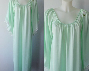 Vintage 1970s Mint Green Nightgown, 1970s Nightgown, Lov Lee, Vintage Nightgown, Nightgown, Vintage Lingerie