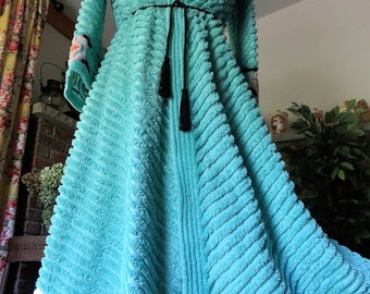 Awesome AQUA 1940s Chenille Robe ~ True Vintage WWII Era Chenille Bedspread Bathrobe with Fab Onyx Accented Rosettes ~ Excellent Quality