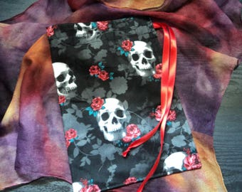 Gothic Skulls & Roses Tarot Card Pouch