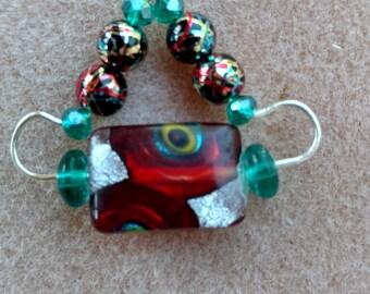 Red Hat Dichrioc Necklace
