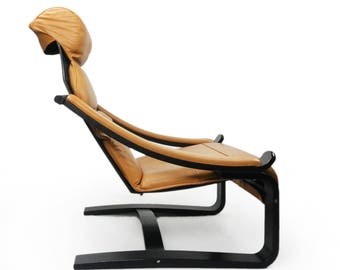 Leather cantilevered lounge chair by Scanform
