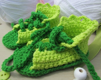Sandals with laces crochet for baby gift by EffiChouchouCrochet