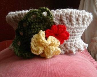 Tudor style ladies hat