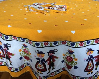 Vintage German Folk Art Tablecloth and Napkins