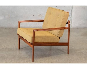 Picket Back Walnut Lounge Chair by Kofod Larsen for Selig (3CDWUZ)