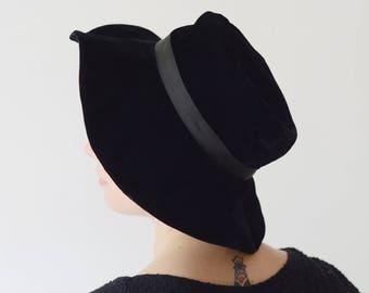 60s/70s Black Velvet Wide Brim hat