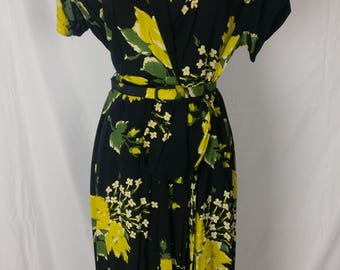 "Fabulous 40s Yellow Roses Daffodil Print Rayon Dress 32"" Waist"