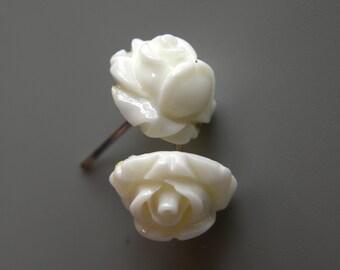 White roses studs earrings,  earrings for girls, handmade earrings, cute earring studs, flower earrings , rose earrings, gift for girl,