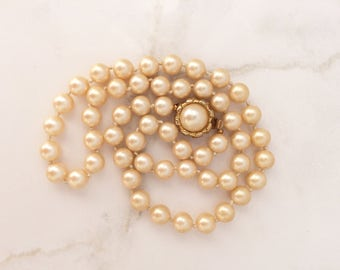 Short strand faux pearlsl with decorative clasp-classic jewelry-collar necklace-bridal jewelry