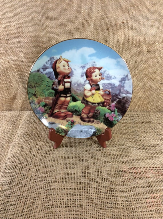MJ Hummel plate Little explorers from the M.I.Hummel plate collection, Little Explorers, childs decor, 1991 darling Hummel plate from 1990