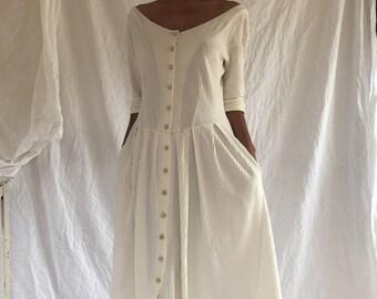 Beautiful creamwhite vintage button up midi dress