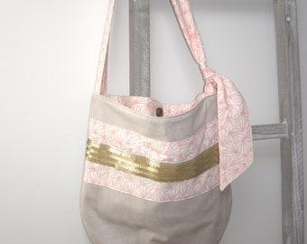 Rounded - pattern suede bag.