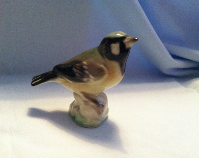 Vintage porcelain bird beautiful figure deco